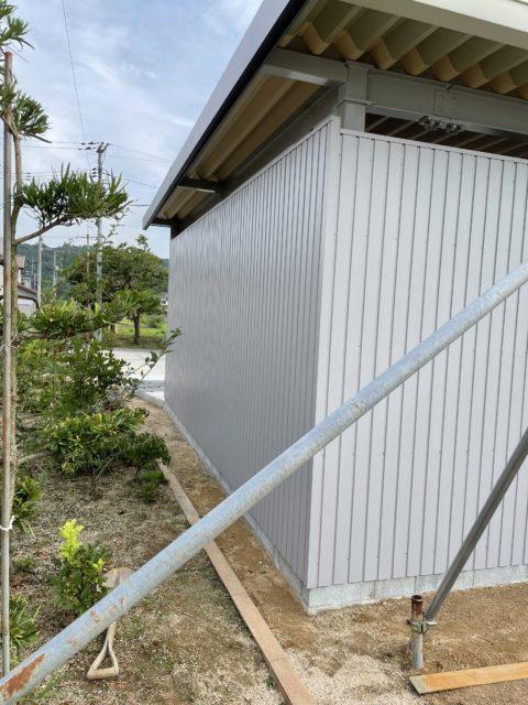 鉄骨車庫 屋根•外壁•雨樋工事⚒